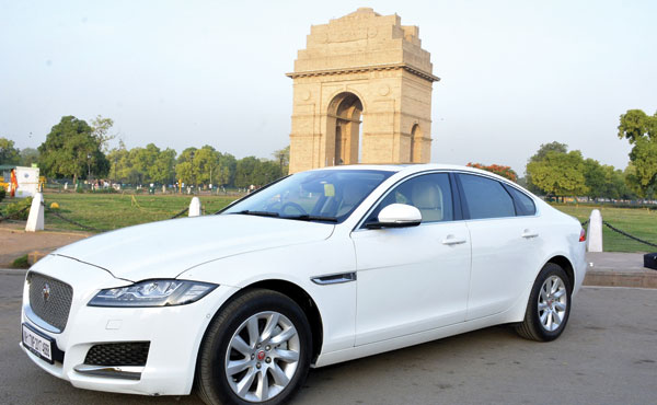 Land Rover Car Rental in Delhi