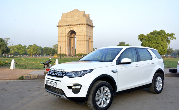 Land Rover Discovery Sport on Rent in Delhi